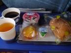 最後の機内食(日本時間27日の朝ごはん)