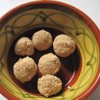 小さく丸めたメープルバターボール