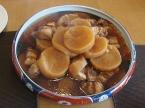 豚三枚肉と大根の煮物