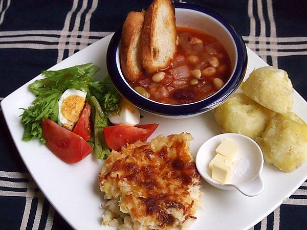 ワンプレート ランチ[マカロニグラタン&お豆のスープ…]
