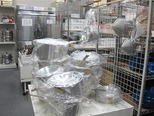 巨大な鍋たち 業務用だよね