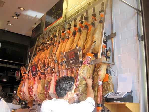 マドリッド メルカドのお肉屋さん