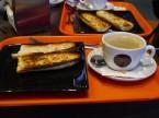 フランスパンのトースト&カフェオレ