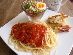 トマトソースのパスタ&ジャガイモのガレット…