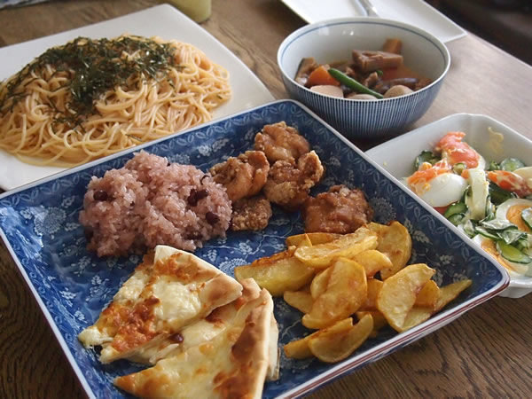 ワンプレート ランチ[唐揚げ&煮しめ…]