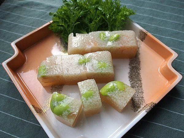 海老と枝豆、長い芋の寒天寄せ
